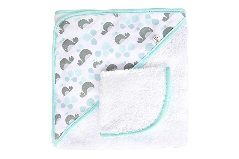 Jj Cole Two-Piece Hooded Towel Set Aqua Whales