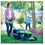 Best Self Propelled Lawn Mower: 10 Commercial in 2021 Reviews